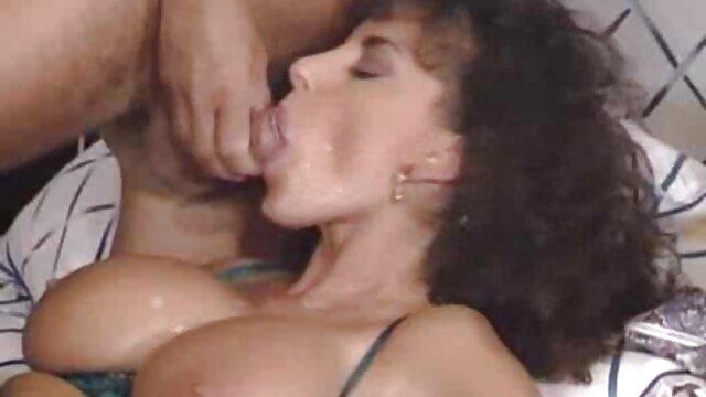 XXX առանց գրանցման  Օլգան ասիական սեքս պատմություններ մերկանում է սեւ