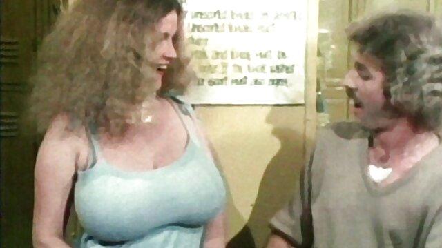 Լավագույն պոռնո առանց գրանցման  Roxy girl share a ասիական եւ Բի-բի-սի պոռնո cock