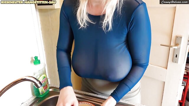 Լավագույն պոռնո առանց գրանցման  Աղջիկը ասիական սեքս հյուրանոցում խաղում է իր ամուր սայթաքուն կրպակով