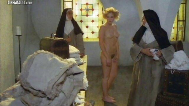 Լավագույն պոռնո առանց գրանցման  Բուժքույրեր կերակրել հիվանդին գուլպաներ. ասիական նիհար պոռնո